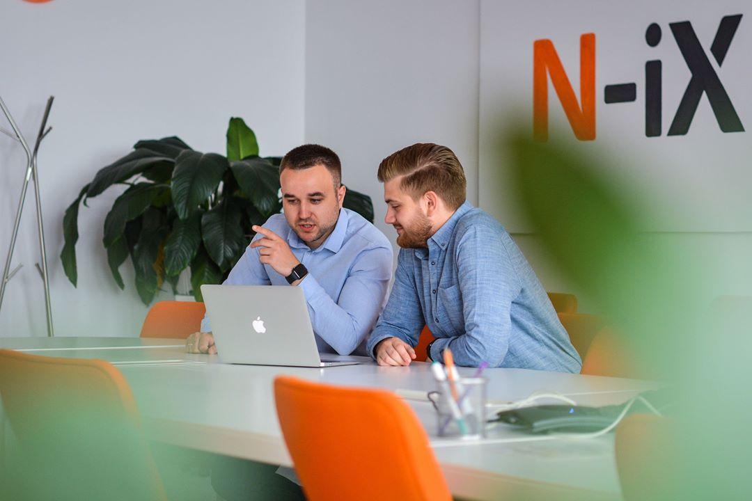 how to manage a remote development team
