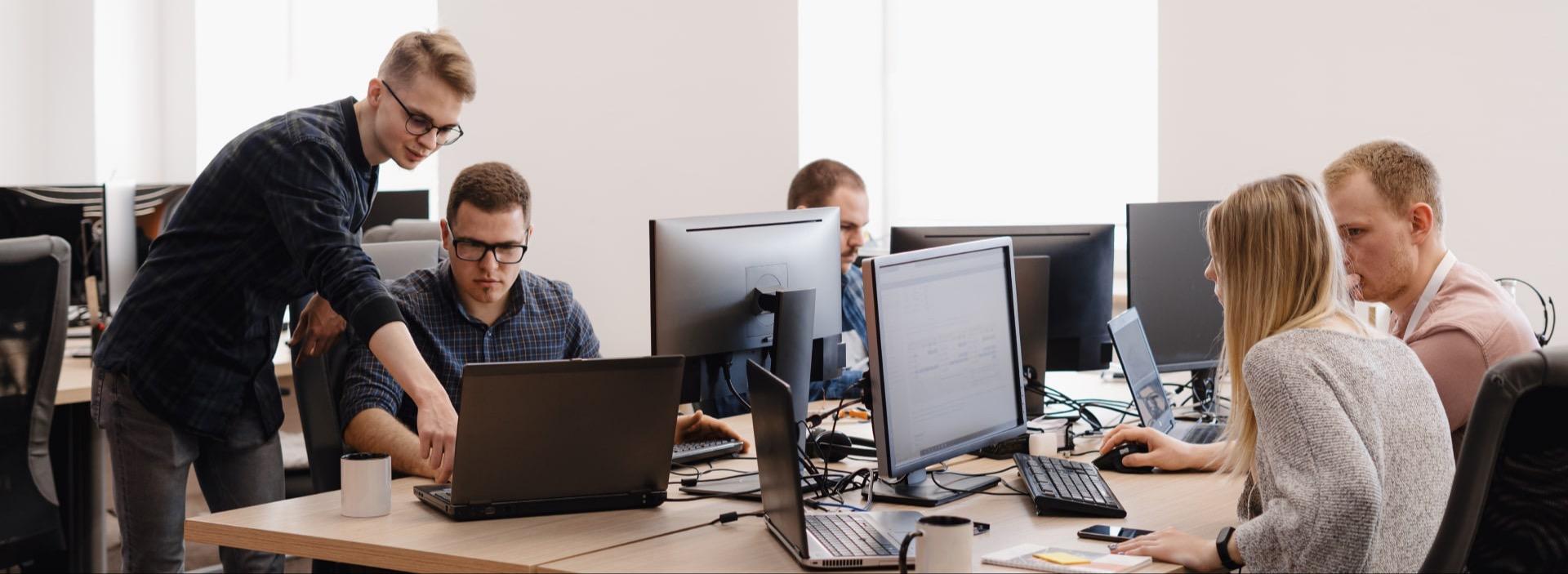 Building a reliable cloud migration team: stats, tips, success stories